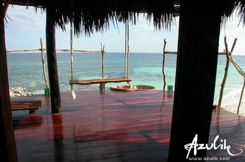 Hotel boutique hotel azulik tulum quintana roo m xico for Cabanas sobre el mar en mexico