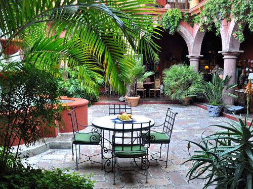 Hotel boutique hotel casa de la cuesta san miguel de for Casas diseno jardines tropicales