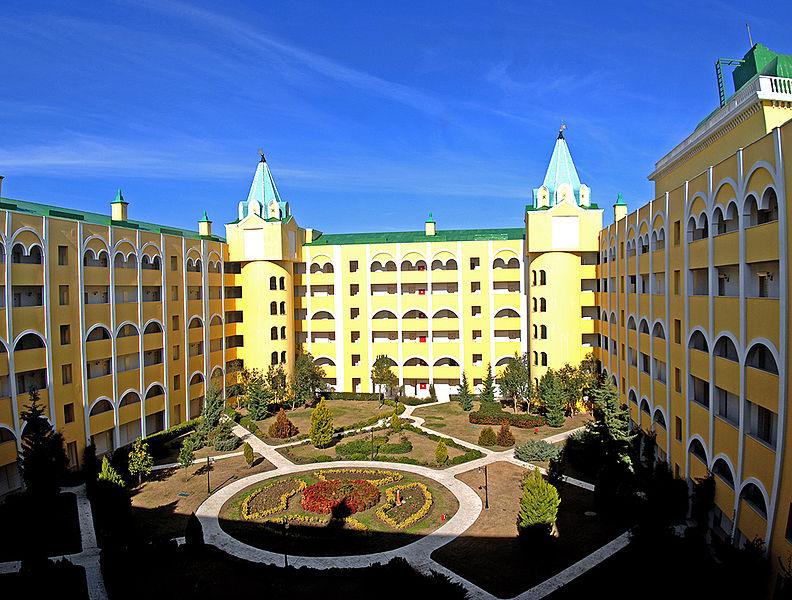 hotel 8