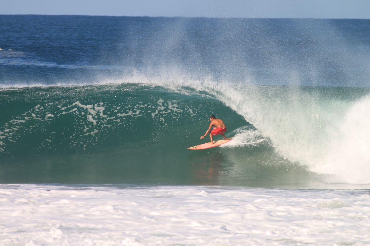 Celestino-Surfing-Zicatela-2
